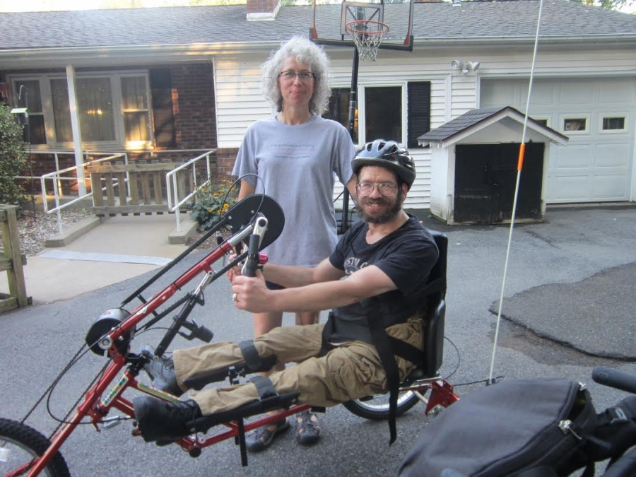 Remis with his sister and his new handcycle.